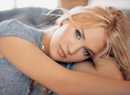 carrie-underwood-jr03.jpg
